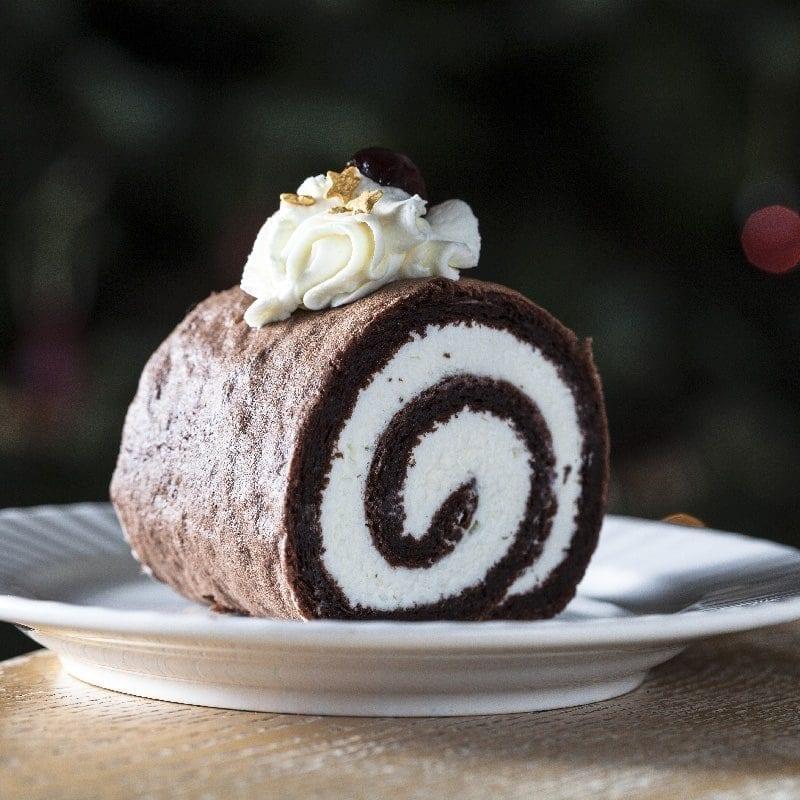 Šlehačková roláda dezert